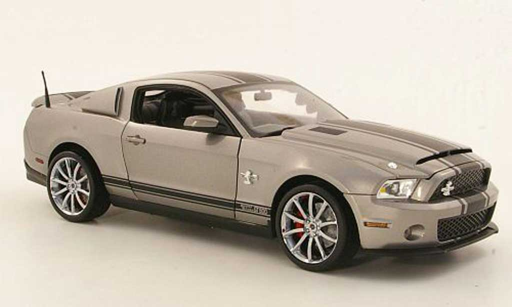 Shelby GT 500 1/18 Shelby Collectibles Super Snake grise/mattnoire 2012 miniature