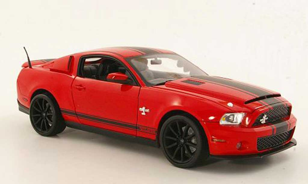 Shelby GT 500 1/18 Shelby Collectibles Super Snake rouge/mattnoire 2012 miniature