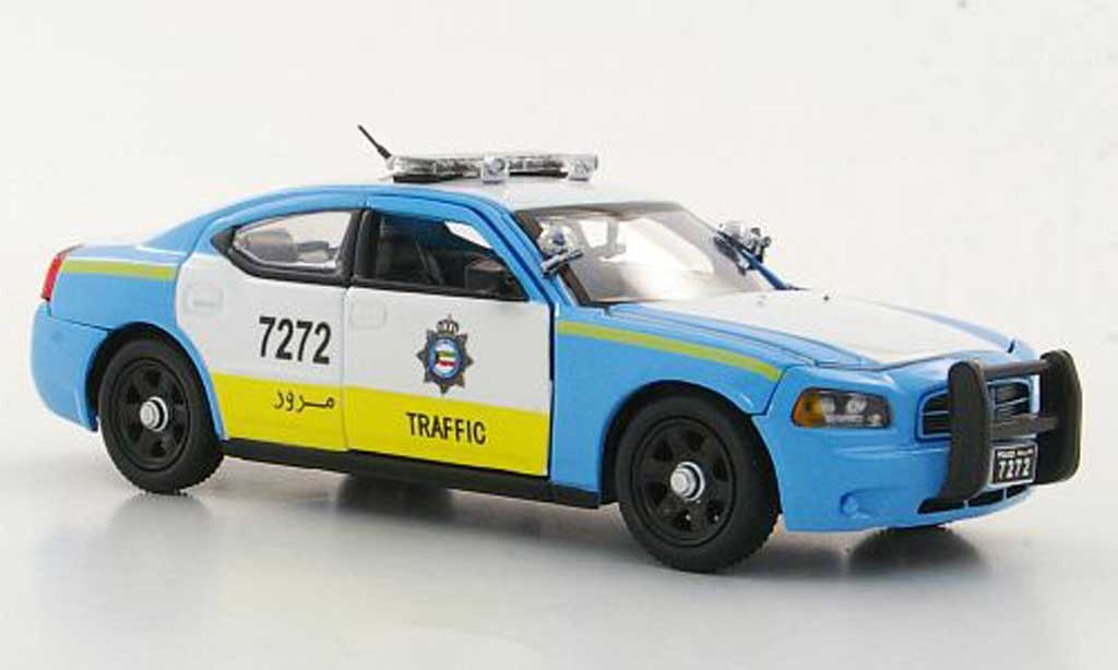 dodge charger police charger kuwait traffic patrol polizei kwt first response modellauto 1 43. Black Bedroom Furniture Sets. Home Design Ideas