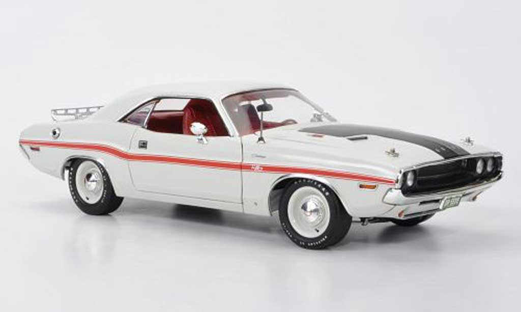 Dodge Challenger 1970 1/18 Highway 61 R/T blanche/matt noire mit rougeer Dekoration miniature