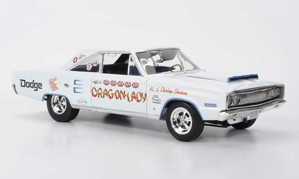 Dodge Coronet 1967 1/18 Highway 61 R/T Dragonlady H.L. + S.Shahan miniature