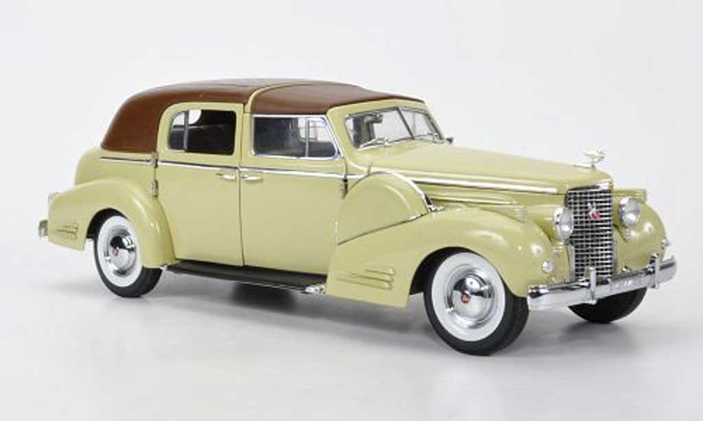 Cadillac Fleetwood 1/18 Signature V16 beige/marron 1938 miniature