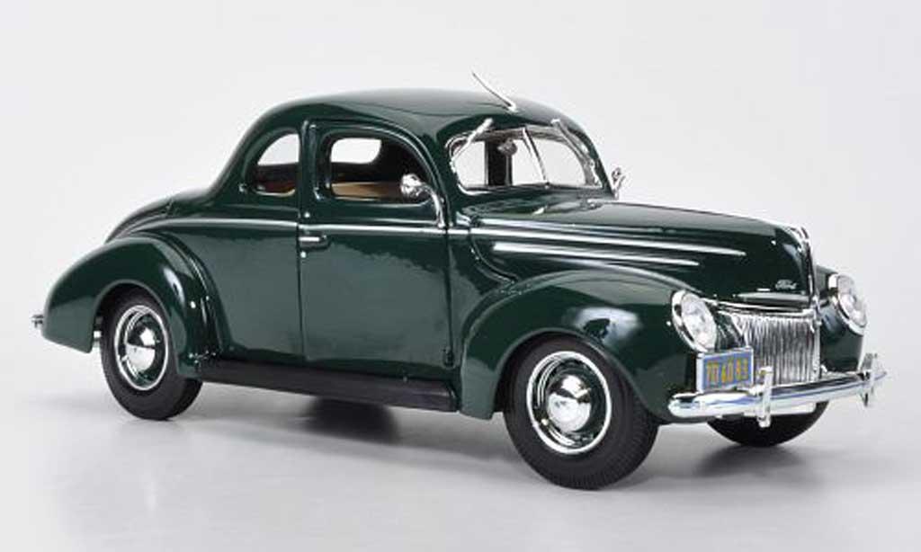 Ford Deluxe 1/18 Maisto Tudor Coupe grun 1939 miniature