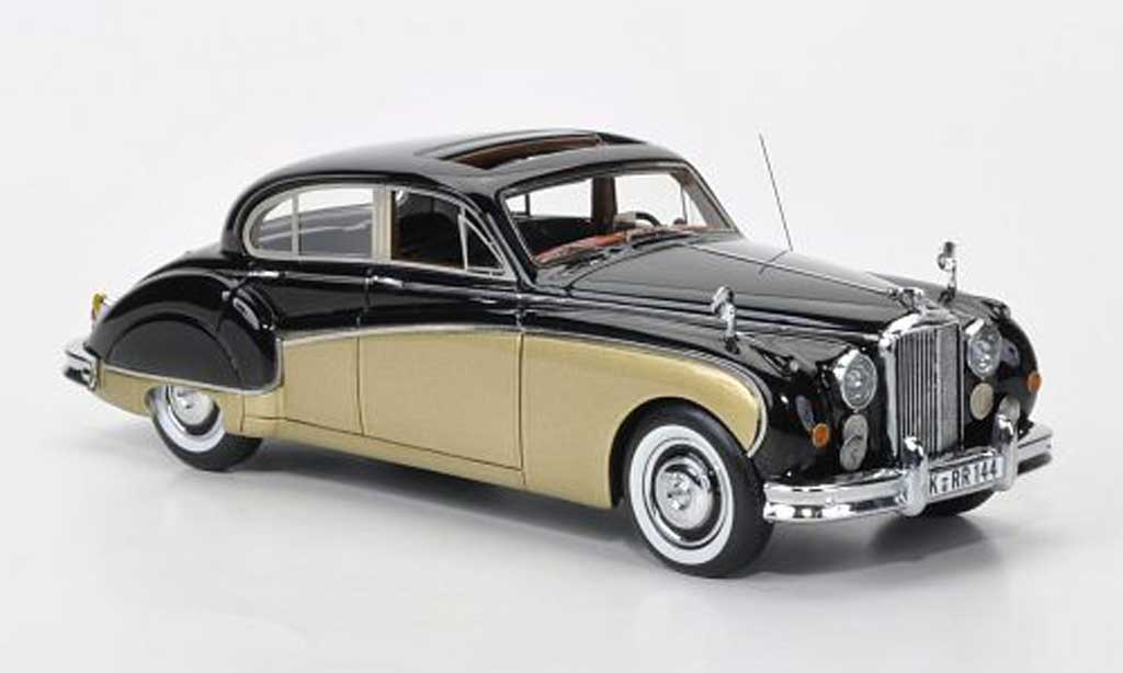 jaguar mk 8 black gold lhd neo diecast model car 1 43. Black Bedroom Furniture Sets. Home Design Ideas