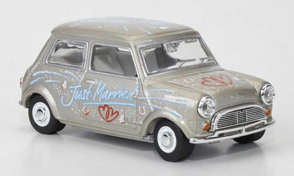 Austin Mini Cooper 1/43 Oxford Just Married 1966 miniature