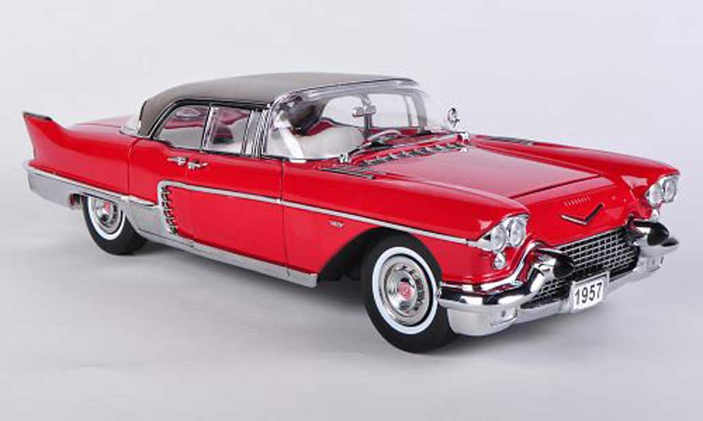 Cadillac Brougham 1/18 Sun Star rouge 1957