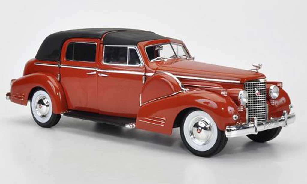 Cadillac Fleetwood 1/18 Signature V16 marron avec Radio 1938 miniature