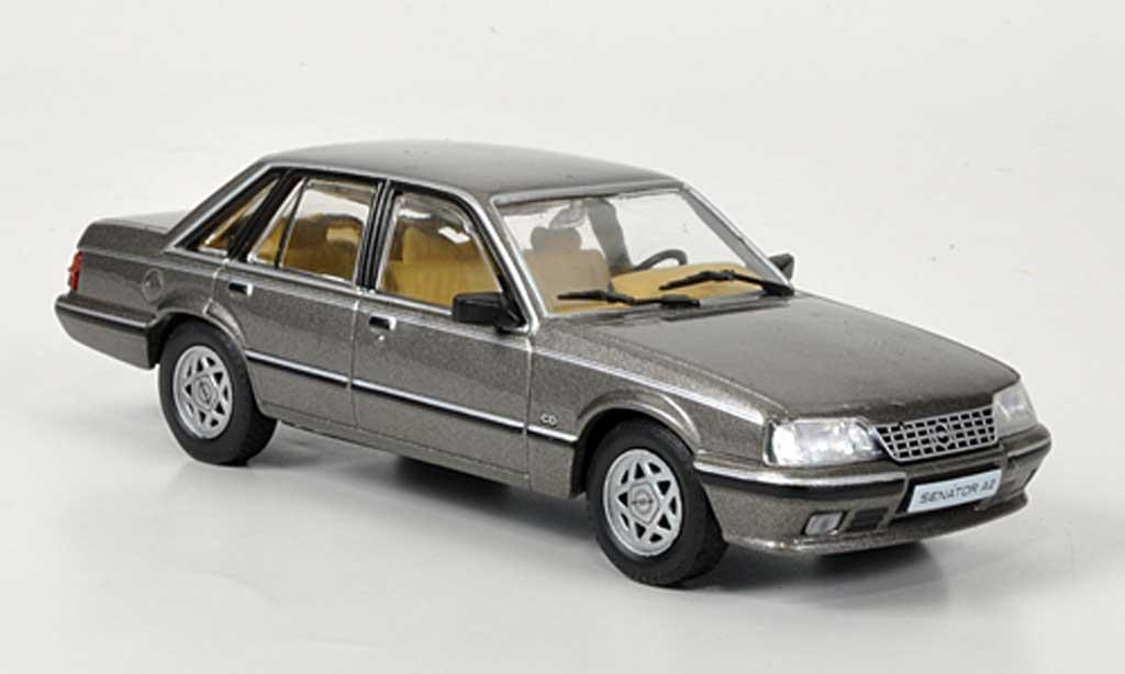 Opel Senator 1/43 Hachette A2 grise (ohne Magazin) 1982 miniature