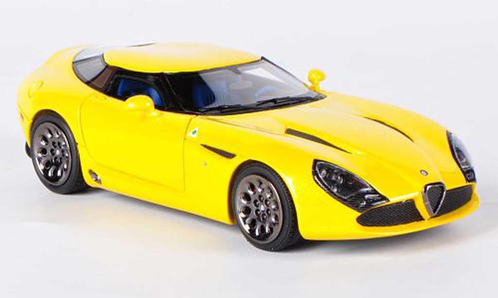 Alfa Romeo TZ3 1/43 Look Smart Stradale jaune miniature