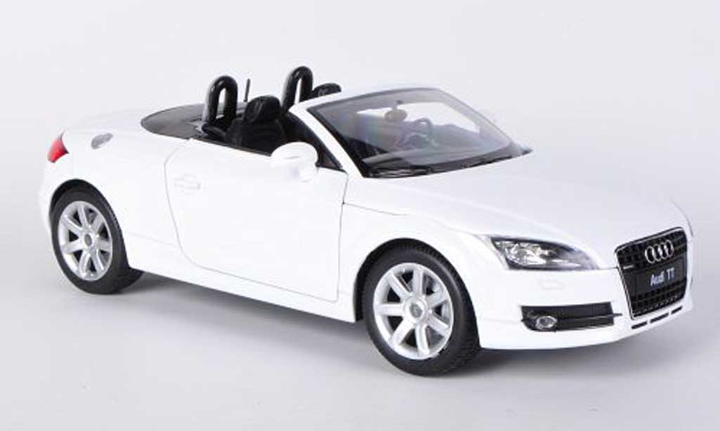 Audi TT 1/18 Welly Roadster blanche miniature