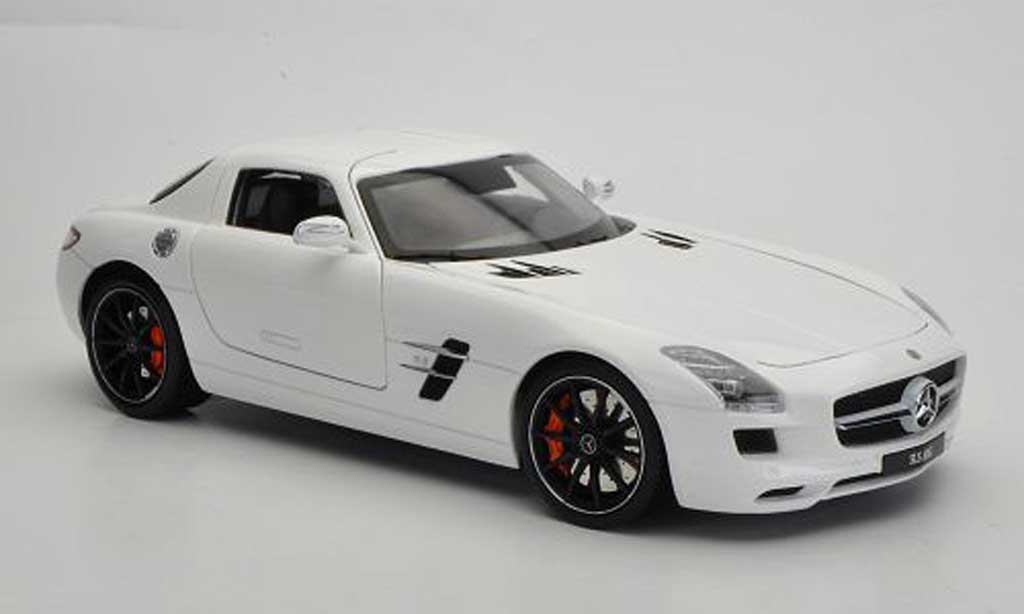 mercedes sls amg c197 weiss welly modellauto 1 18 kaufen verkauf modellauto online. Black Bedroom Furniture Sets. Home Design Ideas