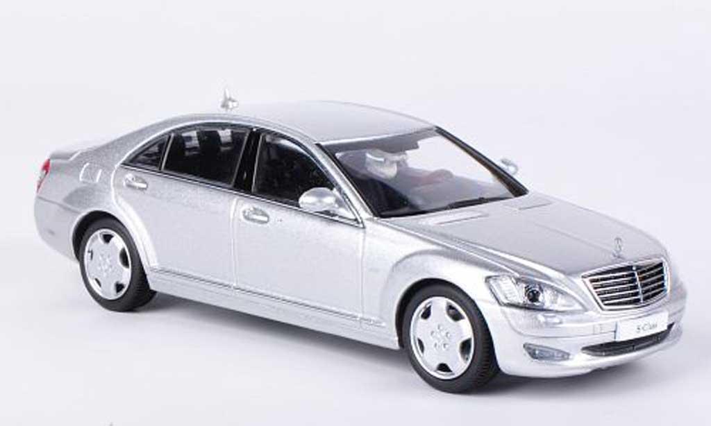 Mercedes Classe S 1/43 Kyosho Langversion (V221) grisegrise miniature