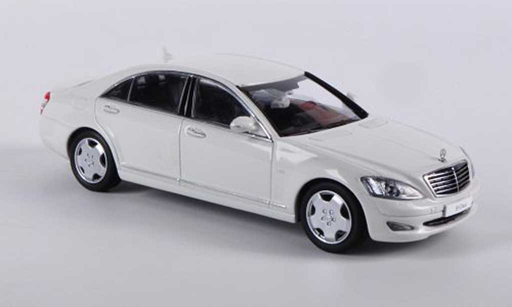 Mercedes Classe S 1/43 Kyosho Langversion (V221) white