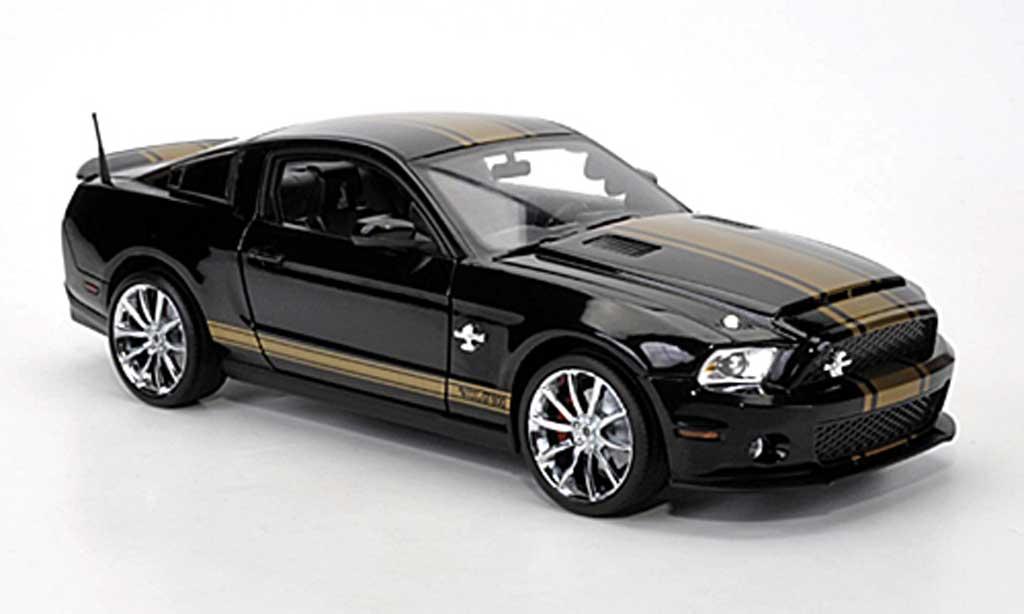 Shelby GT 500 2012 1/18 Shelby Collectibles Super Snake noire avec goldenen bandes miniature