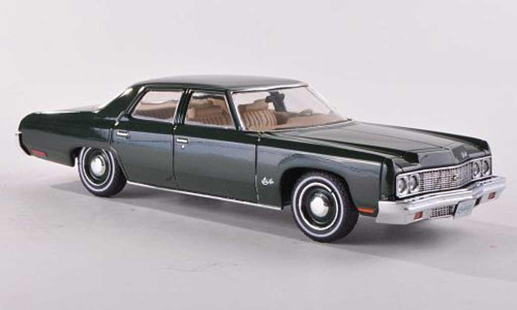 Chevrolet Bel Air 1973 1/18 Premium X noire-vert miniature