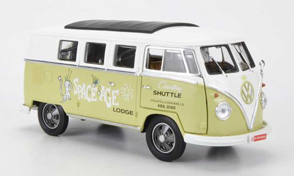 Volkswagen Combi 1/18 Greenlight T1 Samba Space Age Lodge - Courtesy Shuttle 1962 miniature