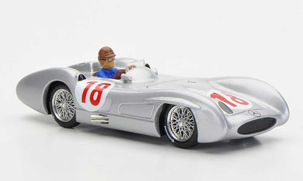 Mercedes W 196 1/43 Brumm C No.18 J.M.Fangio GP Italien 1955 miniature