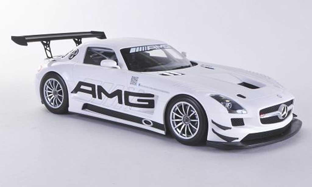 Mercedes SLS 1/18 Minichamps AMG GT3 AMG 2012 miniature