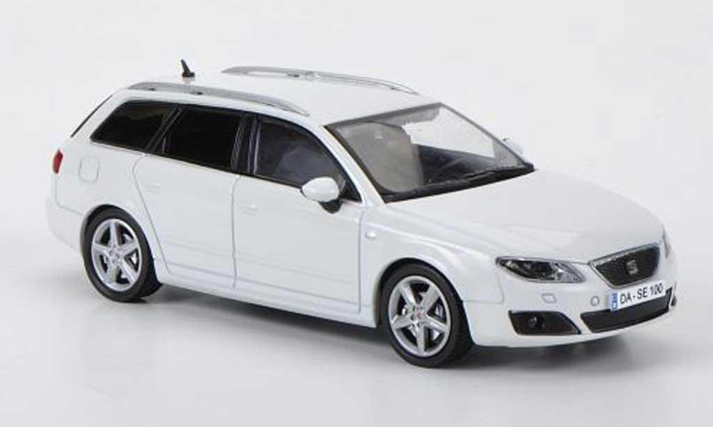 Seat Exeo 1/43 Hachette ST weiss modellautos