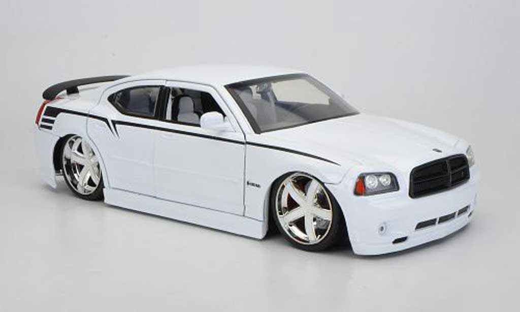 Dodge Charger 2006 1/18 Jada Toys SRT8 blanche 2006 miniature