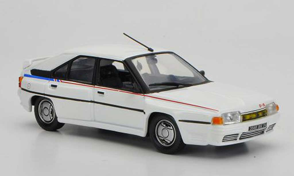 Citroen BX 4TC 1/43 Nostalgie blanche 1986 miniature