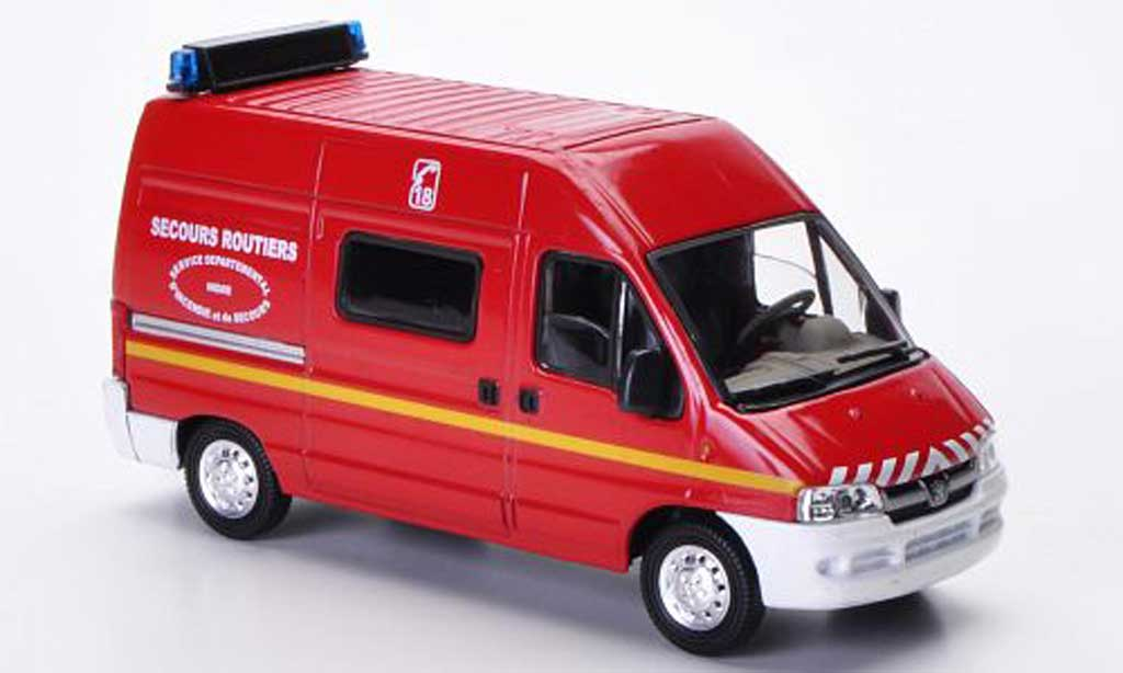 Peugeot Boxer 1/43 Solido Secours Routiers - Indre (F) diecast model cars
