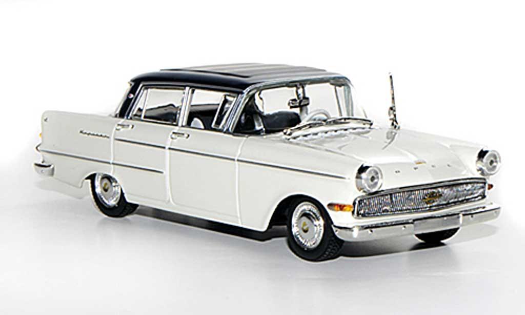 Opel Kapitan 1/43 Minichamps P2.6 blanche/bleu 1959