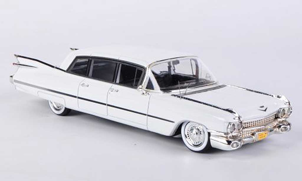 Cadillac Series 75 1/43 Kess Limousine blanche 1959 miniature
