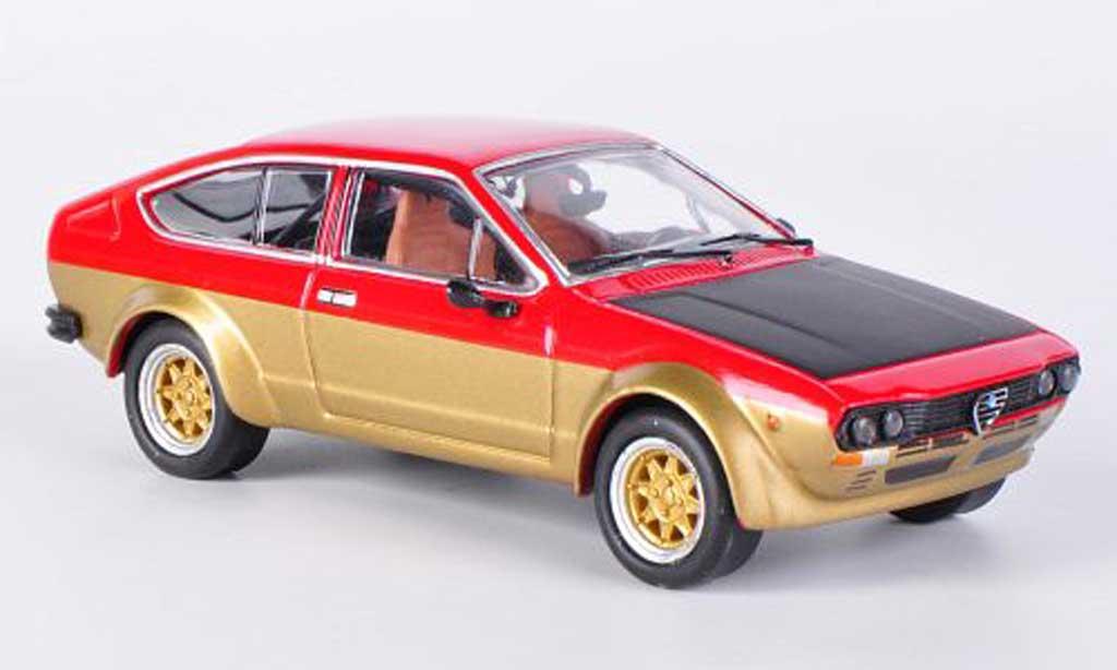 Alfa Romeo GT 2.0 1/43 M4 V 2.0 Alfetta 2000 rouge/gold/mattnoire 1976 miniature