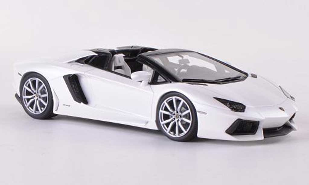 Lamborghini Aventador Roadster 1/43 Look Smart LP700-4 blanche miniature
