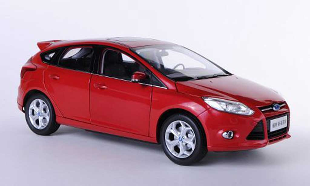 ford focus miniature s mkiii rouge asien version 2012 paudi 1 18 voiture. Black Bedroom Furniture Sets. Home Design Ideas