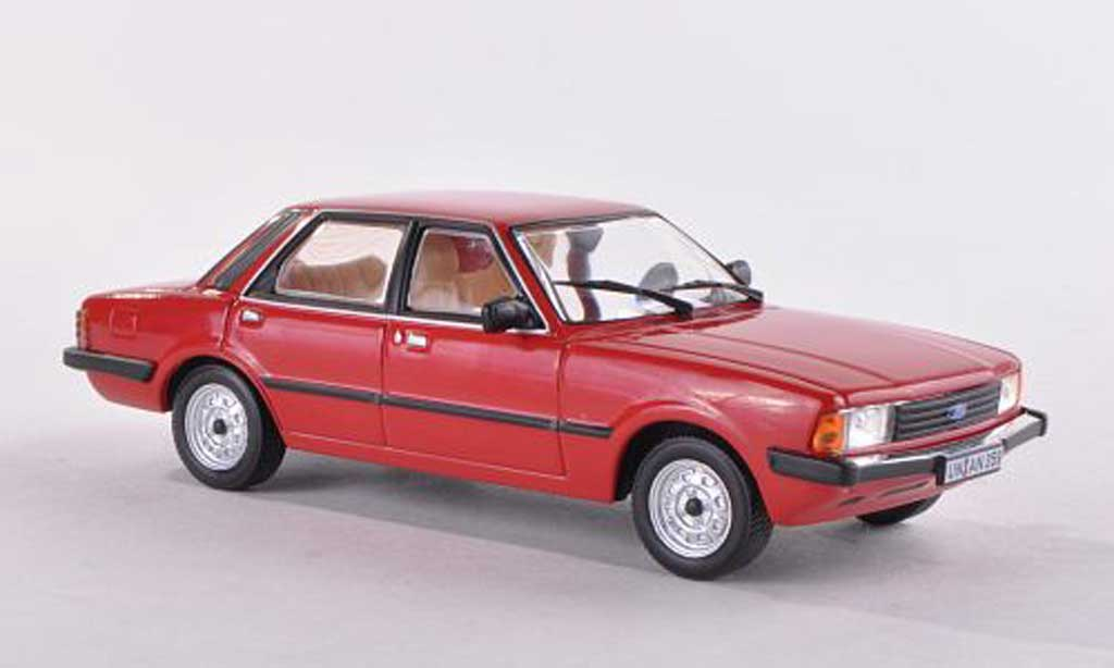 Ford Taunus 1980 1/43 WhiteBox 2.0 GL rouge miniature