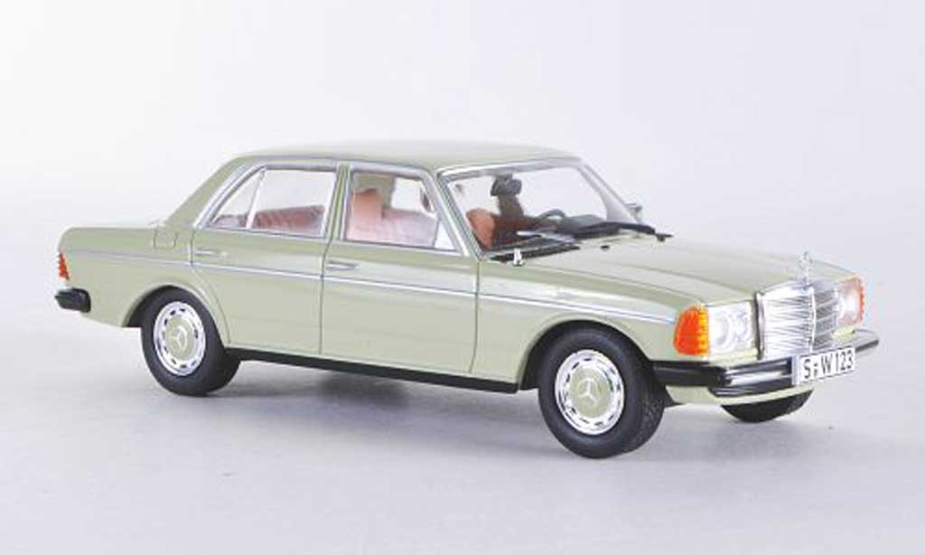 Mercedes 200 1/43 WhiteBox D (W123) verte 1976