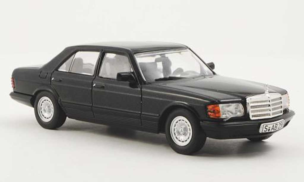Mercedes 500 SE 1/43 WhiteBox (W126) noire 1979 miniature
