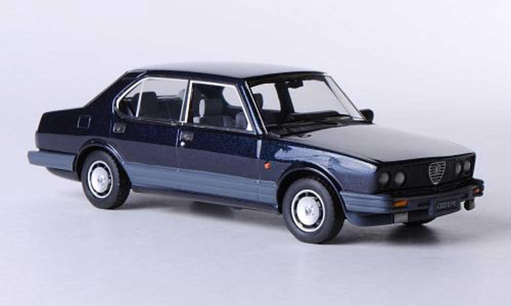 Alfa Romeo Alfetta 2000 1983 1/43 Kess Quadrifoglio Oro bleu miniature