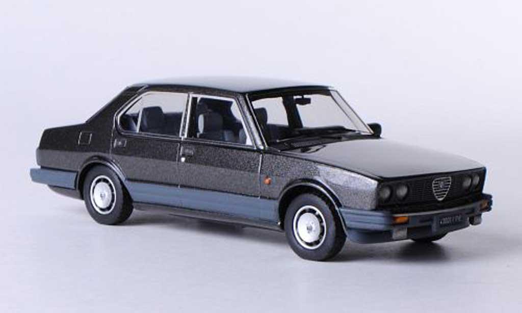 Alfa Romeo Alfetta 2000 1983 1/43 Kess Quadrifoglio Oro grise miniature
