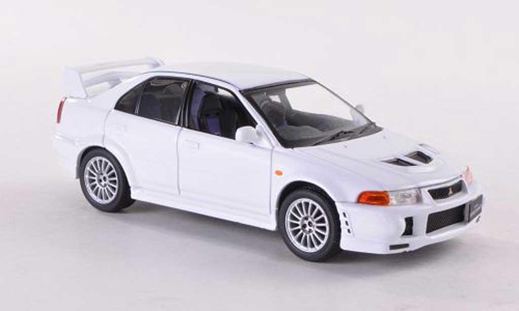 Mitsubishi Lancer Evolution VI 1/43 IXO blanche 1999 miniature
