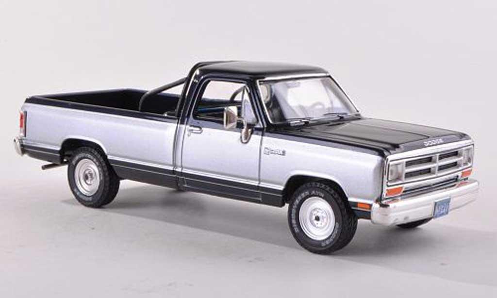 Dodge RAM 1/18 Premium X Pick Up noire-bleu / d 1987 miniature
