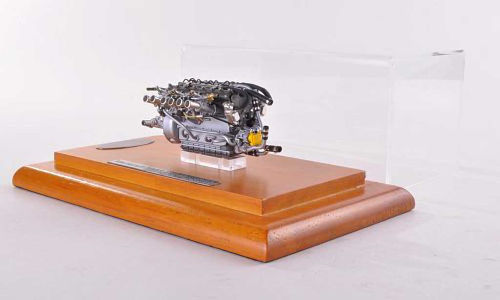Maserati 300 1/18 CMC S Motor  1956 miniature