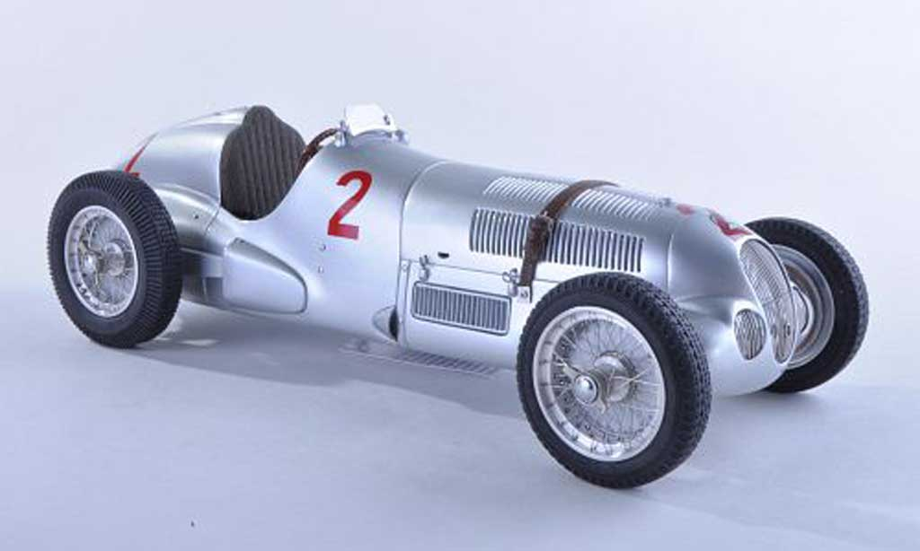 Mercedes W 125 1/18 CMC No.2 GP Donington 1937 H.Lang miniature