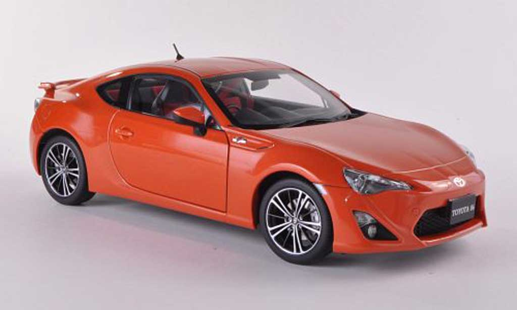 Toyota 86 2012 1/18 Autoart 2012 Limited (Asian Version/RHD) orange miniature