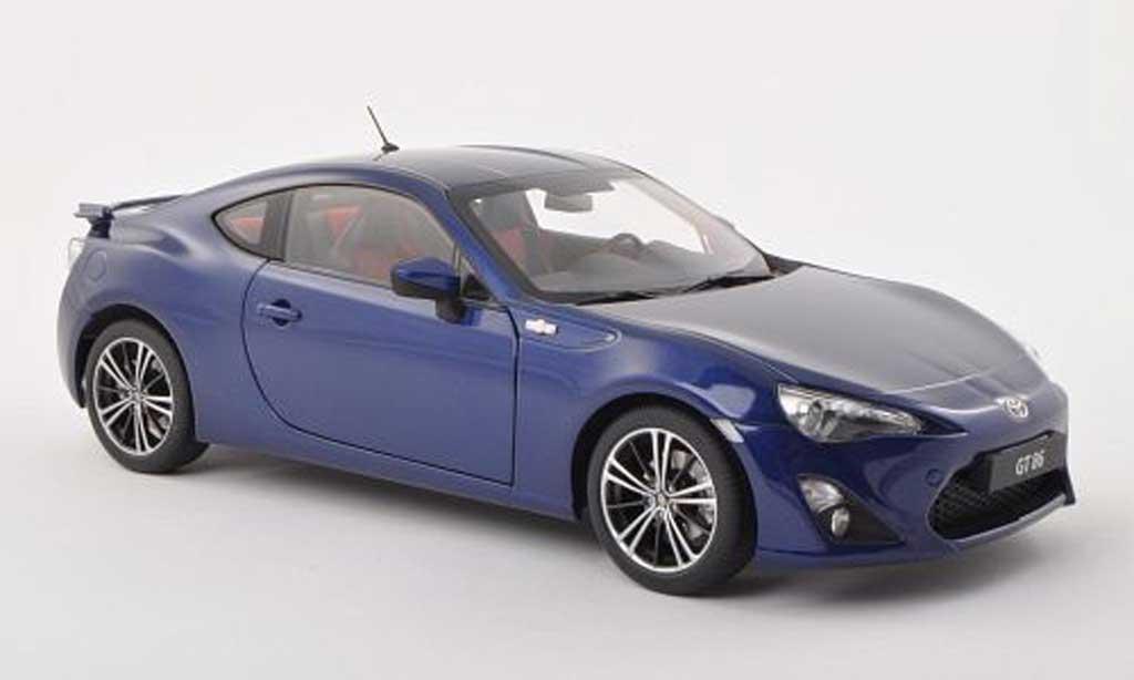 Toyota 86 2012 1/18 Autoart 2012 GT (Europa Version/LHD) noire-bleu miniature