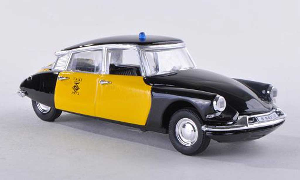 Citroen DS 19 1/43 Rio Taxi Barcelona 69 miniature