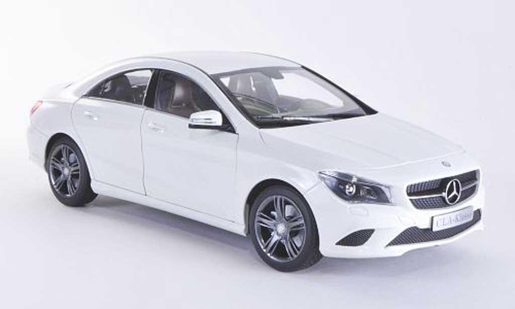 Mercedes CLA 1/18 Norev (C117) blanche 2013 miniature