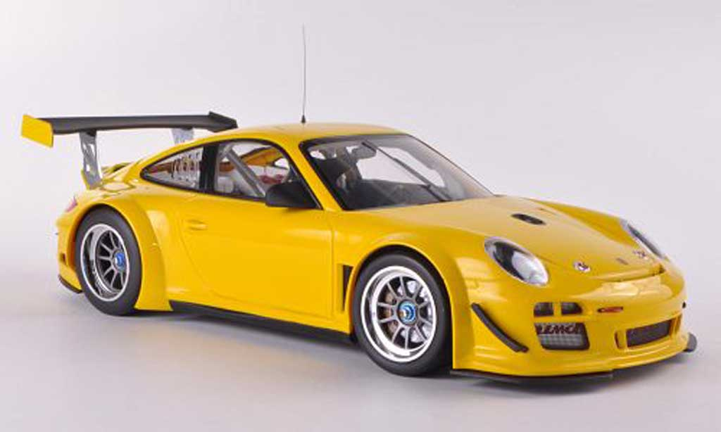 porsche 997 gt3 r 2010 street gelb minichamps modellauto 1. Black Bedroom Furniture Sets. Home Design Ideas