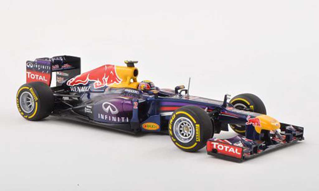 Red Bull F1 2013 1/43 Minichamps Red Bull Racing No.2 Infinity M.Webber Showcar modellautos