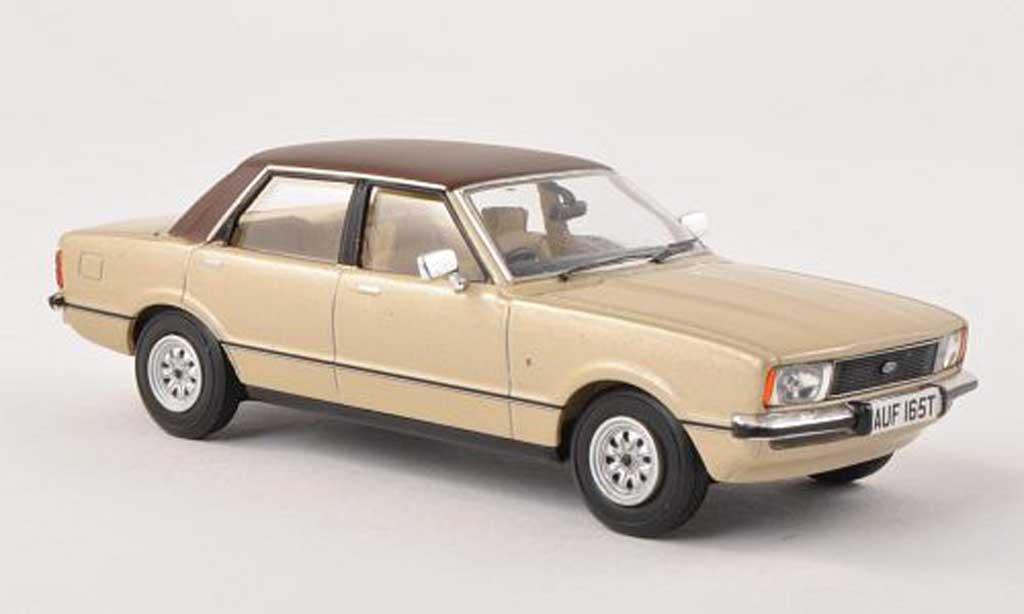 Ford Cortina 1/43 Vanguards MkIV 2.0 Ghia beige/lumineuses-brun RHD  miniature