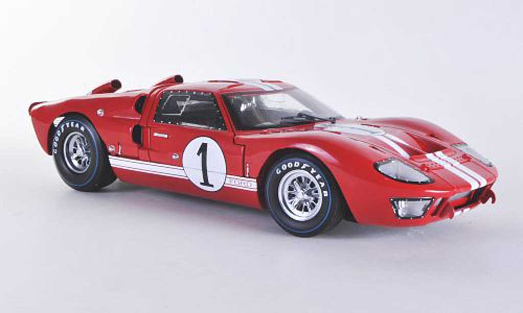Ford GT40 1/18 Shelby Collectibles GT 40 MK II No.1 K.Miles Sebring 1966 miniature