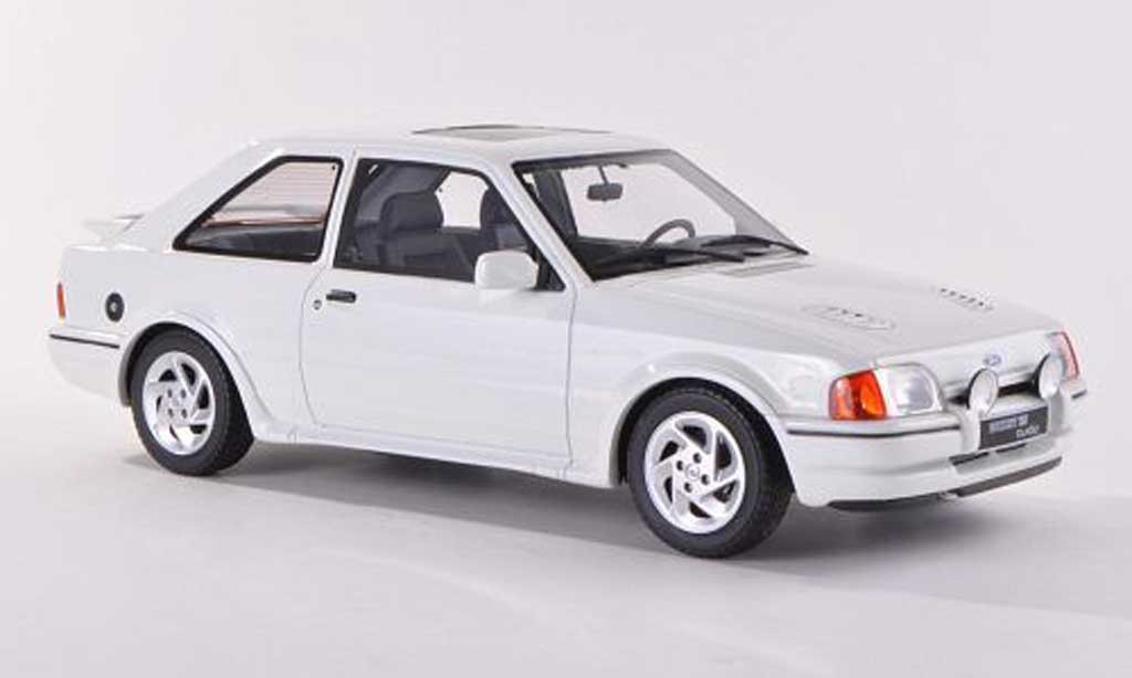 Ford Escort MK3 1/18 Ottomobile Turbo MKIV blanche 1987