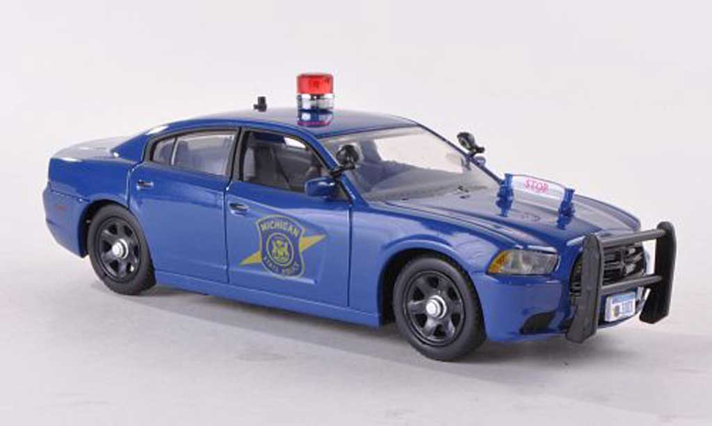 dodge charger police michigan state police polizei us 2012 first response modellauto 1 43. Black Bedroom Furniture Sets. Home Design Ideas
